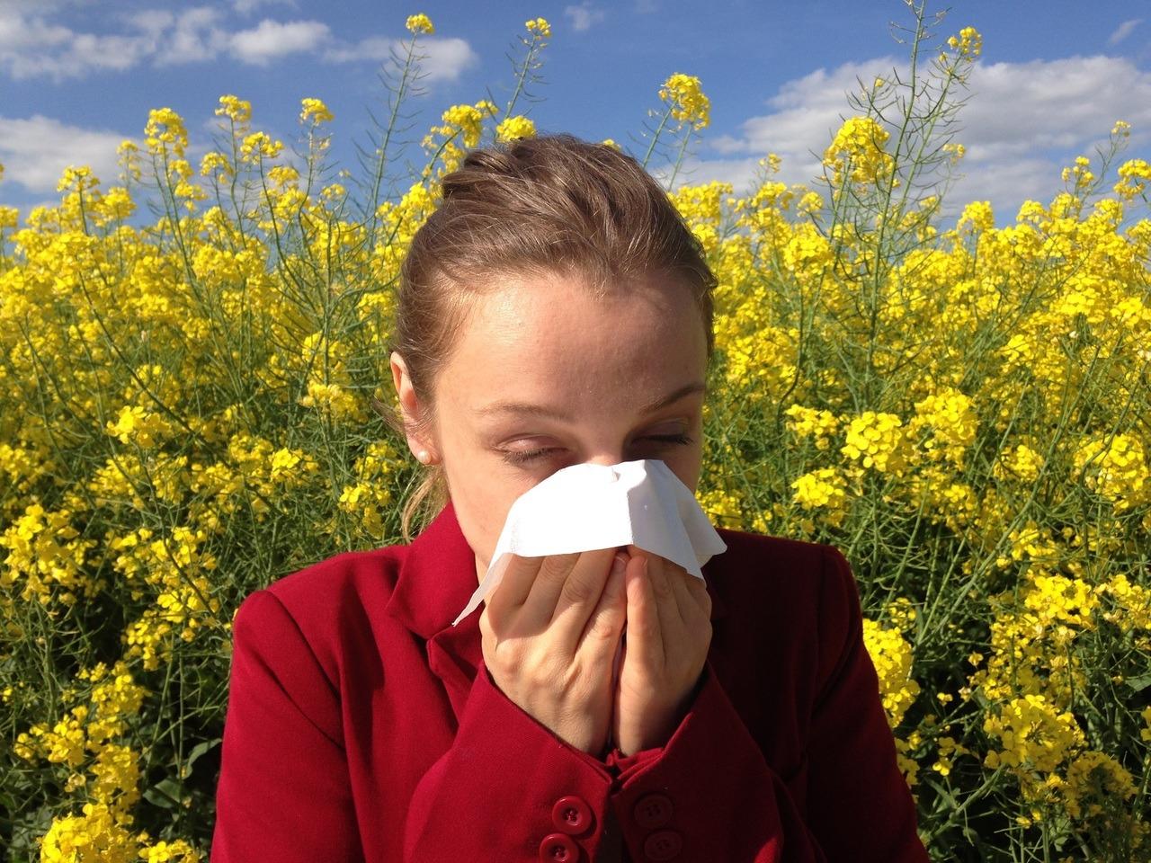 Soigner son rhume des foins avec Desloratadine (ordonnance en ligne possible)