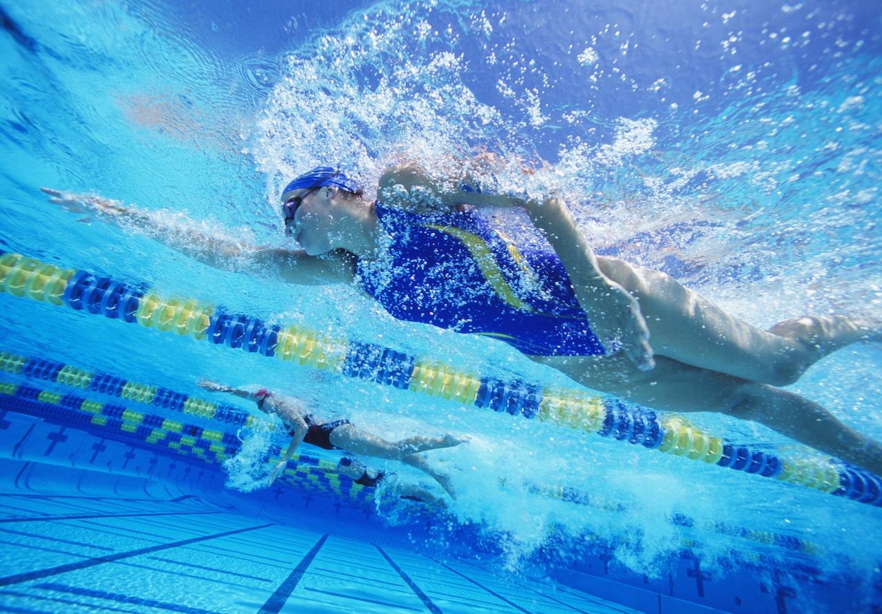 Pratiquer la natation renforce l'effet des produits amaigrissants