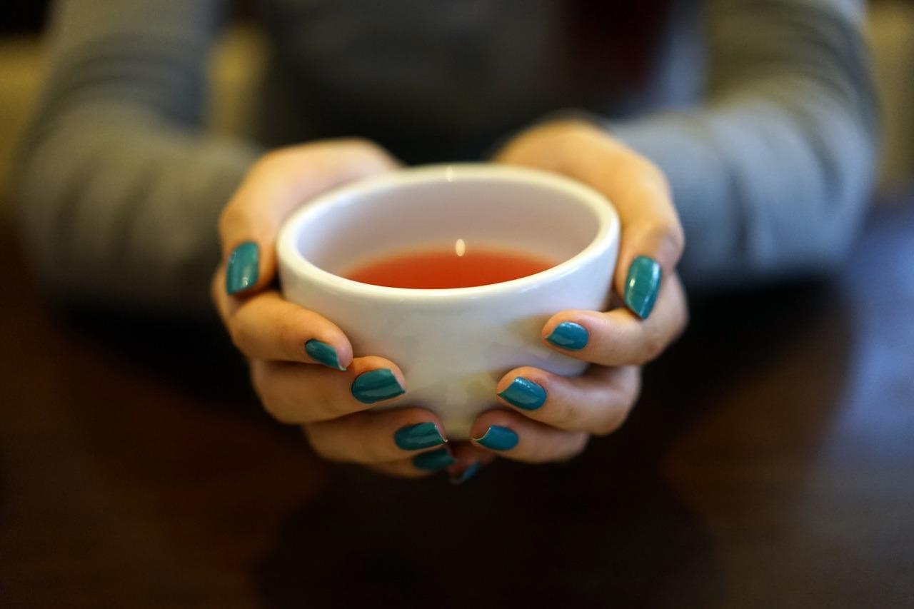 Les bouffées de chaleur peuvent indirectement être une des causes de la rosacée