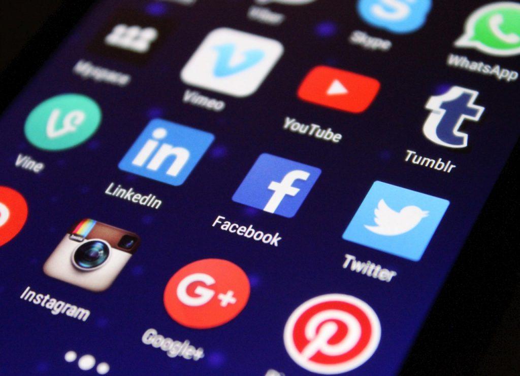 L'invasion des réseaux sociaux