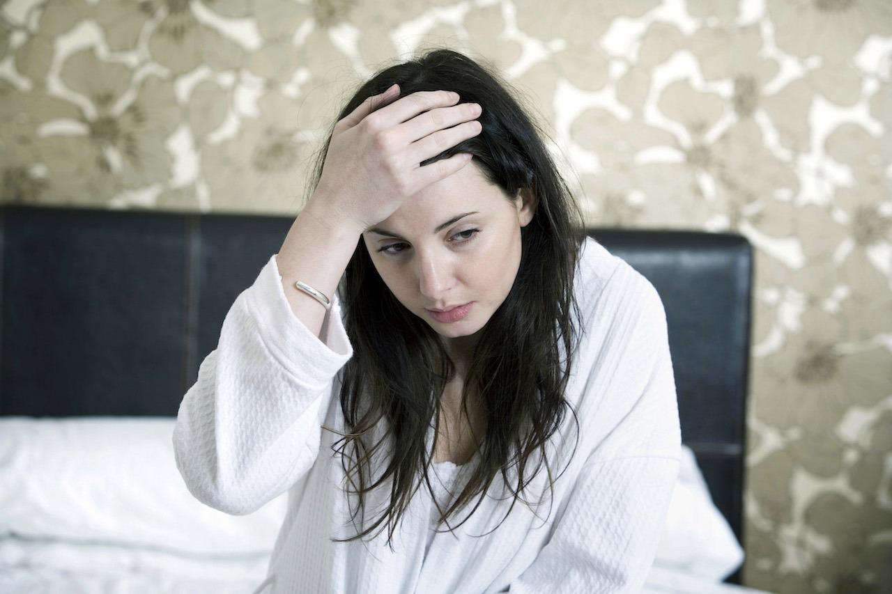 Le mal de tête est un des symptômes associés à un manque de progestérone